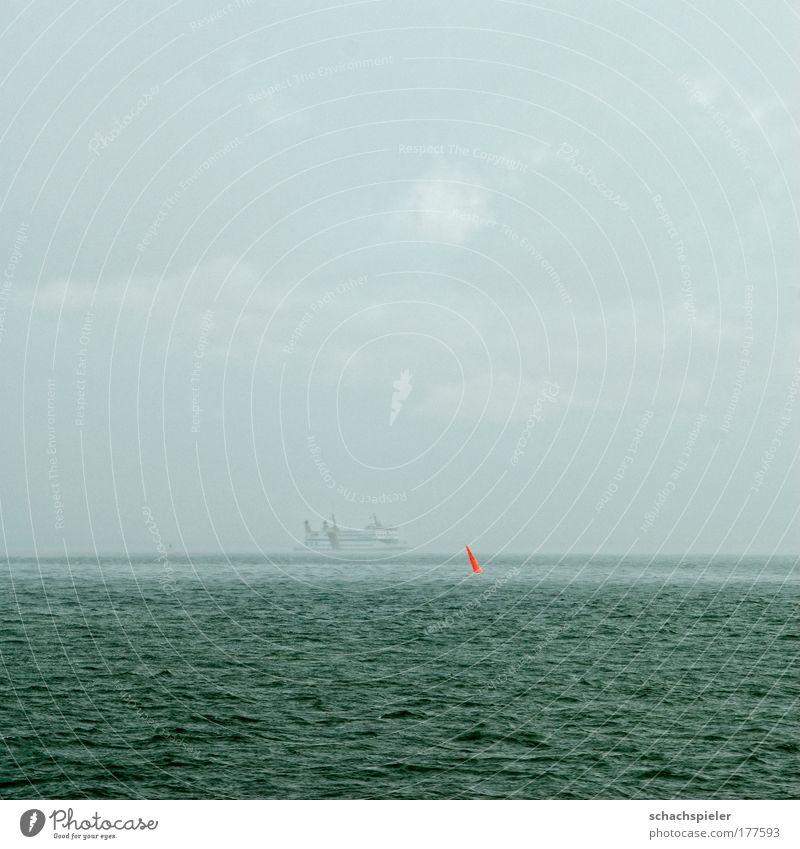 Schietwetter Wasser Meer rot Ferien & Urlaub & Reisen Farbe grau Traurigkeit Regen Nebel nass Schifffahrt Nordsee Fähre schlechtes Wetter Farbfleck Boje