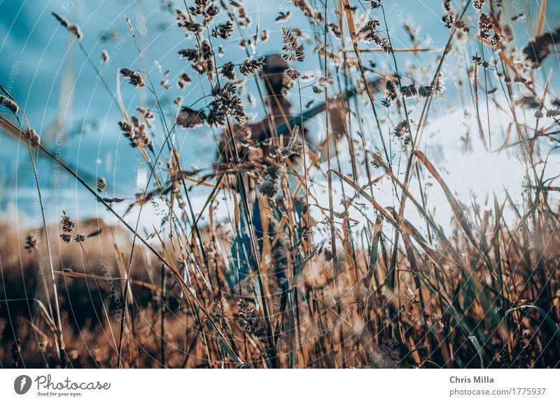 Feld Freizeit & Hobby Ferien & Urlaub & Reisen Ausflug Abenteuer Freiheit Mensch Körper 1 Künstler Sänger Musiker Umwelt Natur Landschaft Pflanze Erde Himmel