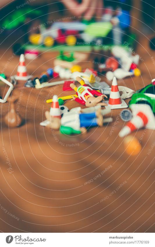 Kinder Spielzeug Mensch Haus Freude Mädchen Junge Spielen Denken Arbeit & Erwerbstätigkeit träumen Freizeit & Hobby Kindheit Geburtstag Kreativität lernen