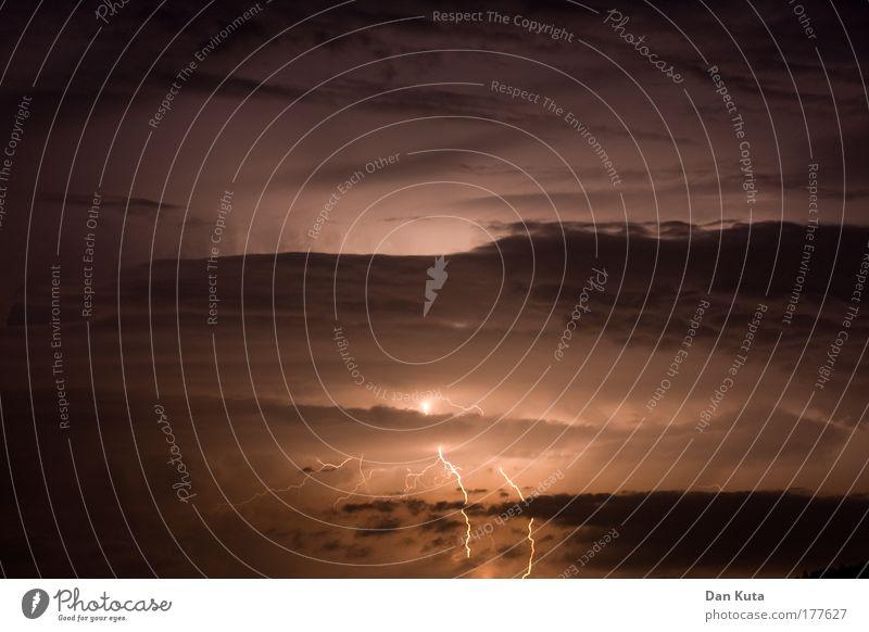 Beim Thor! Natur Himmel Sommer Ferne dunkel Gefühle Wärme Landschaft Luft braun Kraft Angst groß Feuer Macht gefährlich