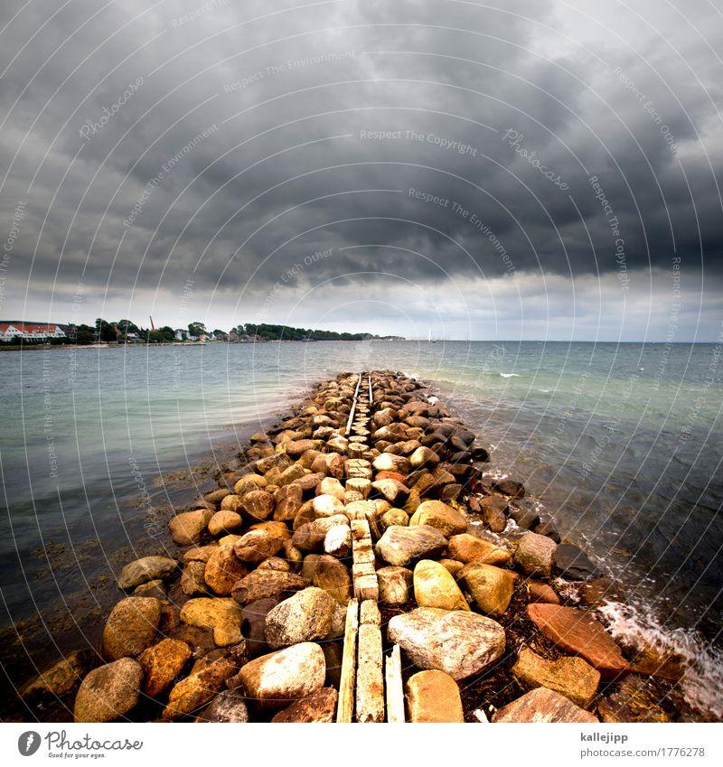 mole Umwelt Natur Wasser Wolken schlechtes Wetter Wind Wellen Bucht Fjord Ostsee Meer blau Mole Hafen Stein Buhne Sonderborg Dänemark Skandinavien