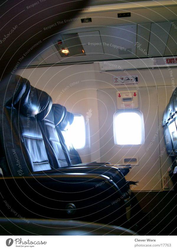 raumangebot Fenster Flugzeug leer Luftverkehr