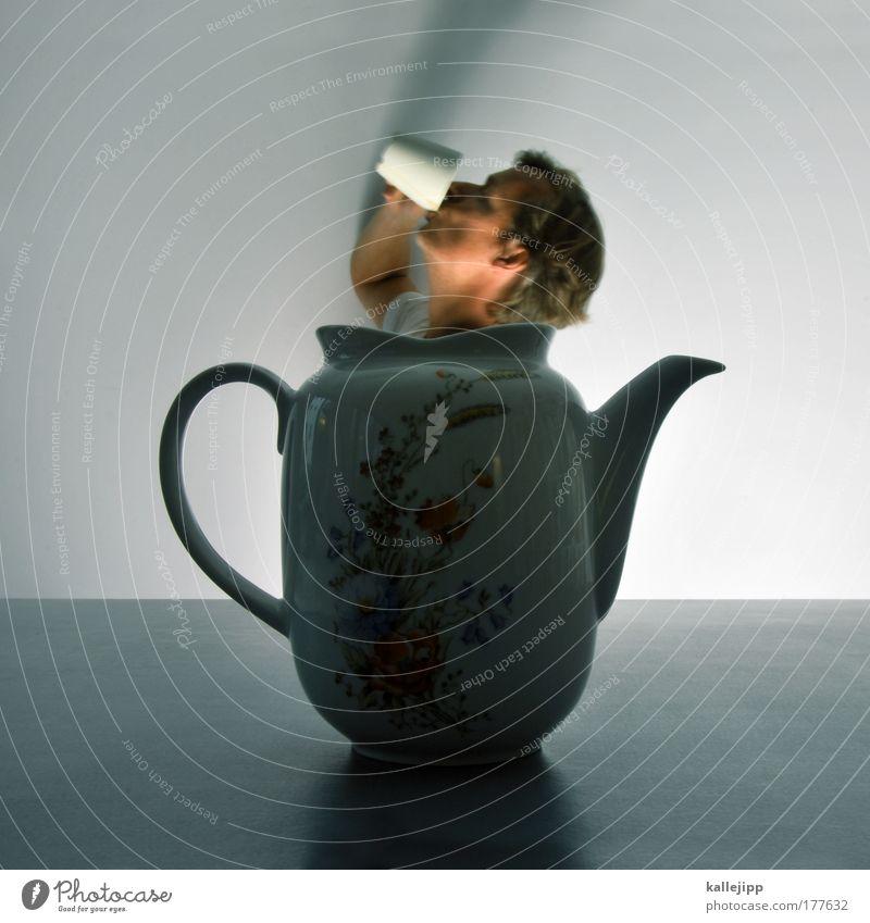 tea time Mensch Mann Erwachsene Kopf Tisch Dekoration & Verzierung Getränk Lifestyle Kaffee trinken Wellness heiß Tee Flüssigkeit genießen Tasse