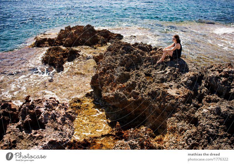 URLAUB Lifestyle Freizeit & Hobby Ferien & Urlaub & Reisen Ausflug Ferne Freiheit Sommer Sonne Meer Insel feminin Frau Erwachsene 1 Mensch 18-30 Jahre