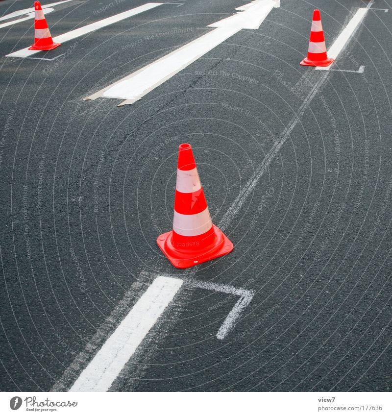 Markierungsarbeiten Straße Stein Wege & Pfade Linie Schilder & Markierungen Beton Verkehr Geschwindigkeit frisch Ordnung neu Baustelle Beruf Streifen Schnur
