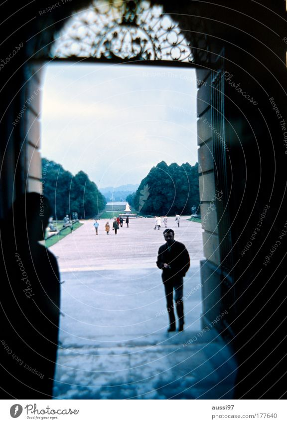Familiengrab Park warten Friedhof beobachten Russland Sightseeing begegnen Moskau Spitzel Gruß Agent Besichtigung Gruft Liebesgruß