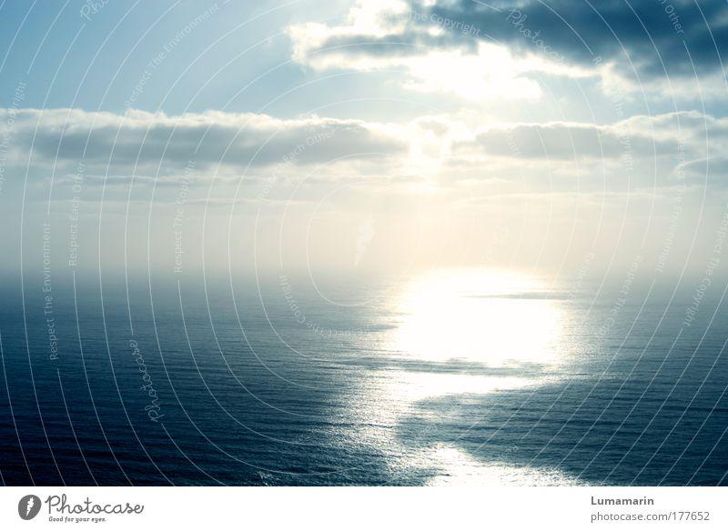alles fließt Umwelt Urelemente Luft Wasser Himmel Wolken Horizont Sonnenlicht Klima Schönes Wetter Meer glänzend groß Unendlichkeit hell positiv schön Stimmung