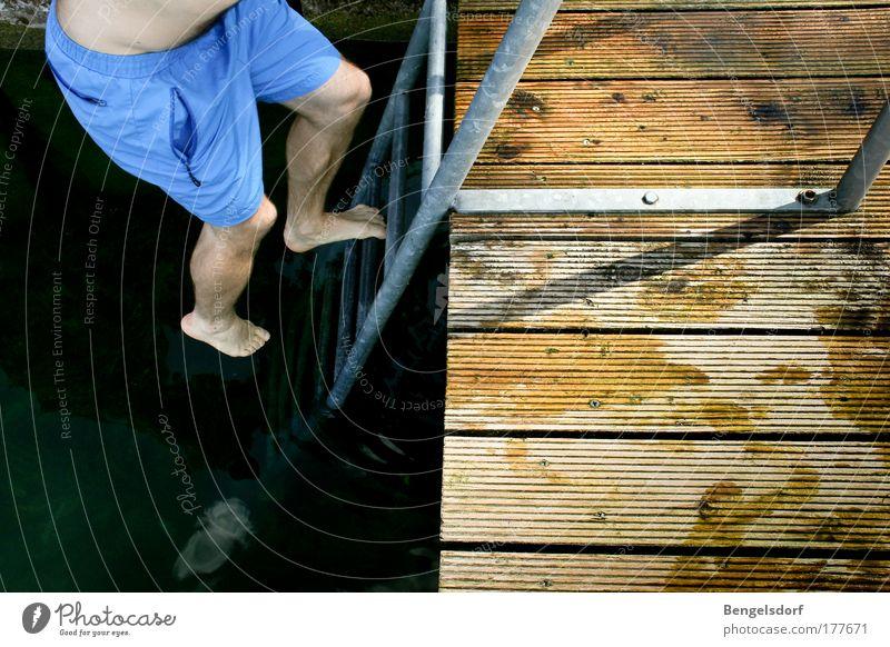 Hasenfuß Mensch Wasser Ferien & Urlaub & Reisen Sonne Sommer Strand Ferne Freiheit See Beine Kraft Angst Schwimmen & Baden Ausflug Tourismus Erfolg