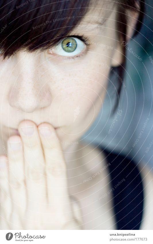 huch! Mensch Frau Jugendliche Hand schön Gesicht Erwachsene Auge Porträt feminin Haare & Frisuren Kopf Denken Haut Junge Frau Finger