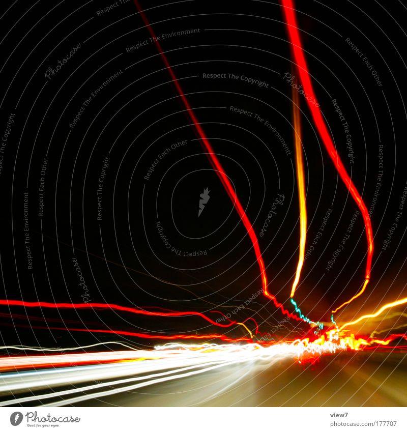 Stauende rot gelb Straße Bewegung Nacht Kraft Angst Verkehr verrückt Geschwindigkeit Licht gefährlich Güterverkehr & Logistik nah gut Schutz