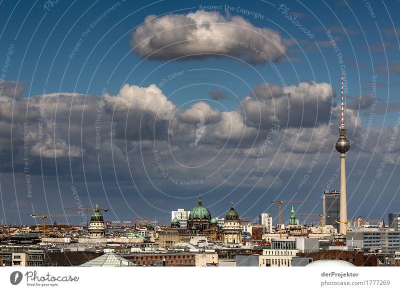 Berliner Skyline im Sommer Ferien & Urlaub & Reisen Tourismus Ausflug Ferne Freiheit Sightseeing Städtereise Umwelt Wolken Hauptstadt Haus Kirche Dom Turm