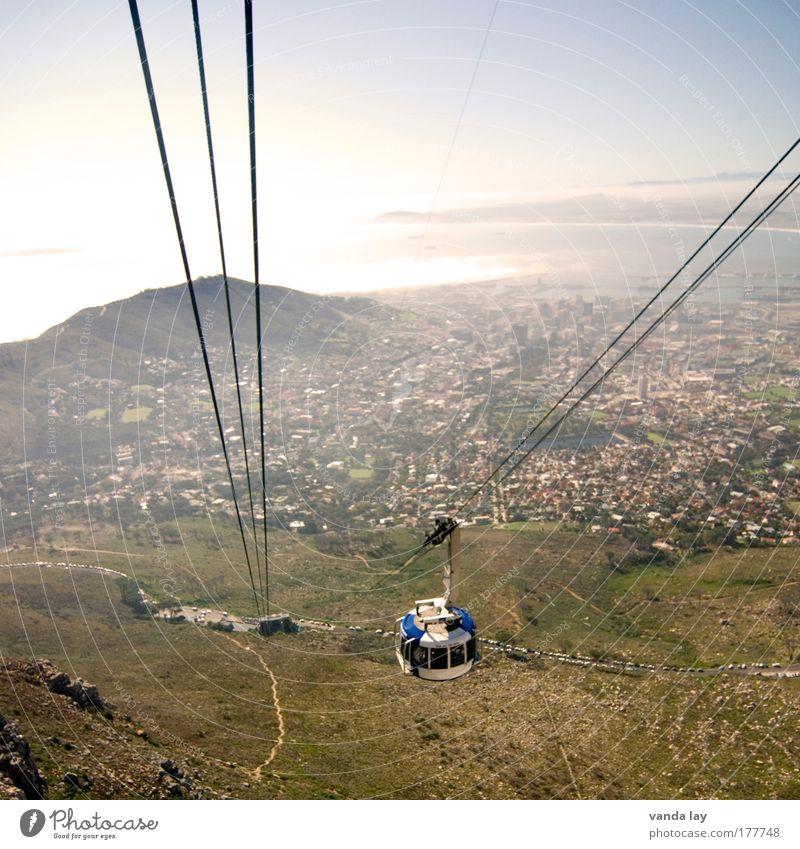 Tafelberg Natur Meer Stadt Strand Straße oben Berge u. Gebirge Küste Umwelt hoch Sicherheit Tourismus Afrika Gipfel Stahl Maschine