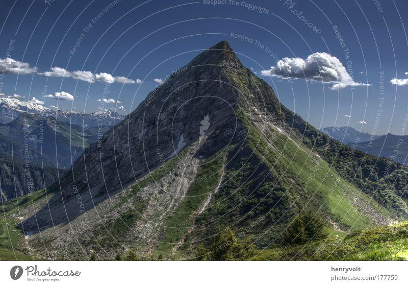Nantaux-Spitze Farbfoto Außenaufnahme Menschenleer Tag Kontrast Natur Landschaft Wolken Sommer Schönes Wetter Berge u. Gebirge Chablais Gipfel blau Frankreich