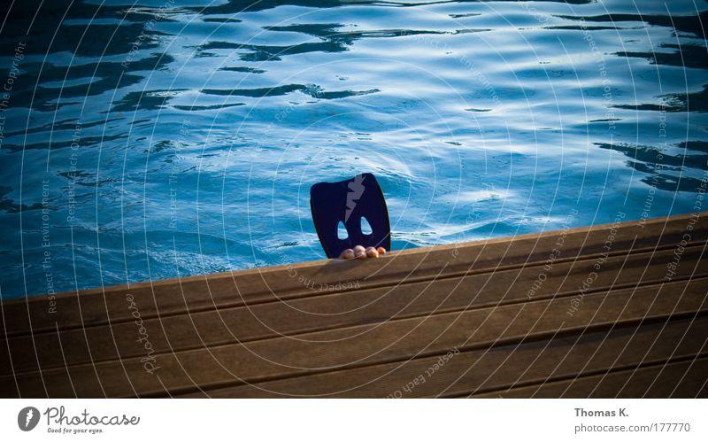 Under the Boardwalk Mensch Hand blau Sommer Freude braun Wellen nass Finger Wellness Schwimmbad tauchen Schwimmen & Baden Schwimmhilfe Wassersport Sport
