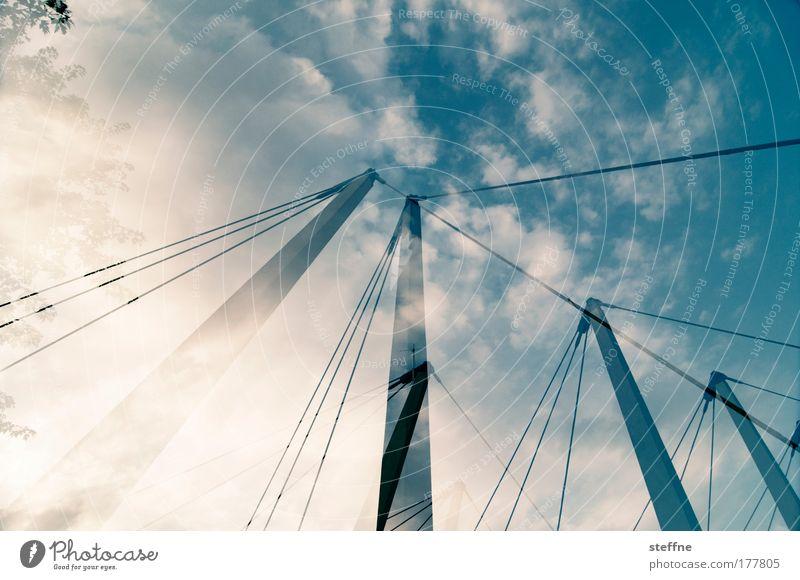 4-Master Farbfoto Außenaufnahme Experiment Menschenleer Tag Sonnenlicht Gegenlicht Weitwinkel Himmel Wolken Schönes Wetter Chemnitz Industrieanlage Brücke