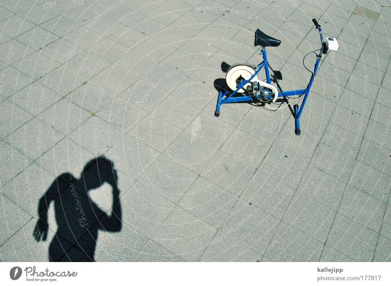 immer im training bleiben Mann blau Erwachsene Sport Leben Bewegung Kopf Fahrrad Rücken maskulin Perspektive Lifestyle Wellness Übergewicht Brust sportlich
