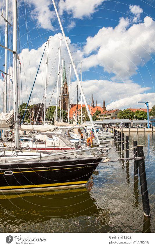 Yachthafen von Schleswig mit dem Schleswiger Dom im Hintergund Freizeit & Hobby Ferien & Urlaub & Reisen Tourismus Sommer Meer Wassersport Segeln Natur Sonne