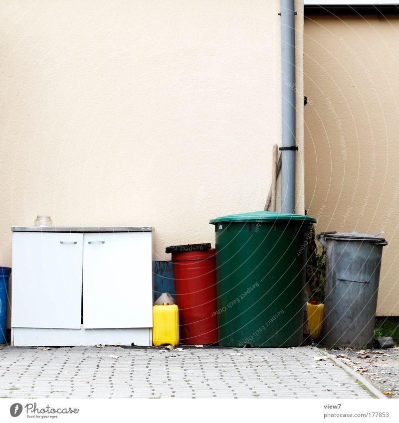 Bei Hempels hinter'm Sofa Farbfoto mehrfarbig Außenaufnahme Detailaufnahme Menschenleer Textfreiraum oben Starke Tiefenschärfe Freizeit & Hobby Renovieren