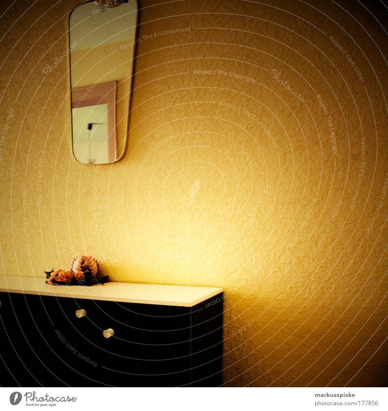 70er retro style alt Haus Stil elegant Wohnung Innenarchitektur Design Lifestyle trist Häusliches Leben Dekoration & Verzierung Kitsch Spiegel Möbel trashig