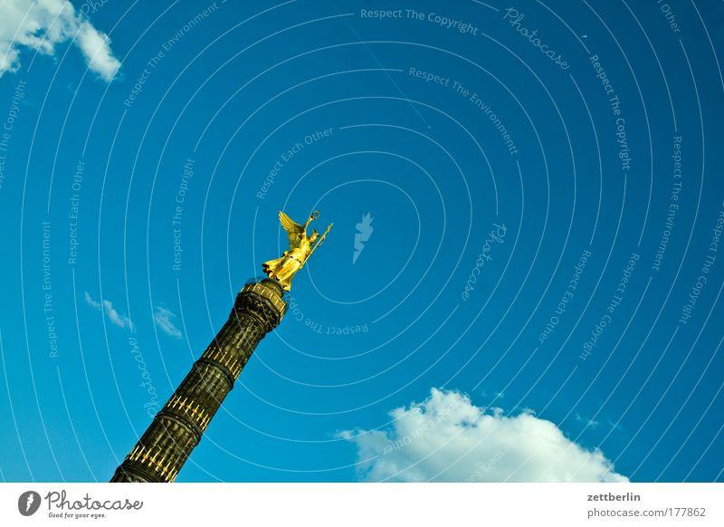 Siegerinnensäule Himmel Sommer Wolken Berlin Tourismus Denkmal Statue Hauptstadt Straßenkreuzung Wegkreuzung Tiergarten Siegessäule Kriegerdenkmal