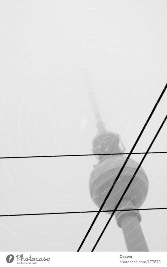 # Wolken Architektur Berlin Gebäude Nebel rund Turm Kabel Bauwerk Mitte Christliches Kreuz Hauptstadt Kugel Stahlkabel Straßenkreuzung