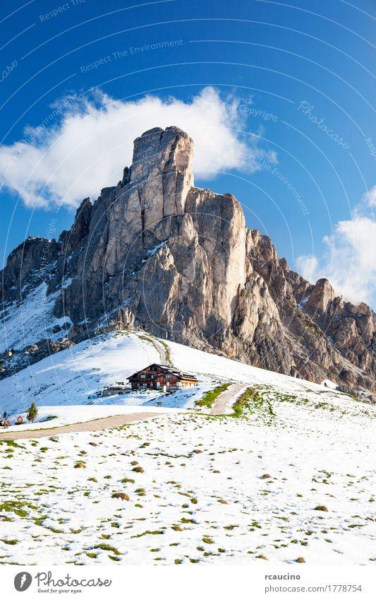 Natur Ferien & Urlaub & Reisen Sommer Landschaft Winter Berge u. Gebirge Sport Schnee Gebäude Felsen Tourismus Europa Italien Abenteuer Gipfel Jahreszeiten