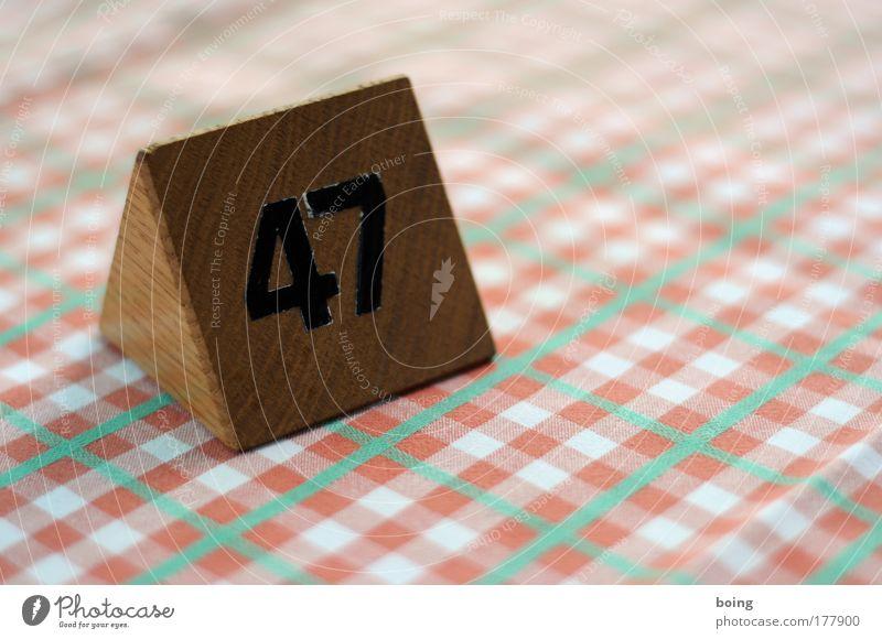 47 warten Ernährung Tisch Ziffern & Zahlen Gastronomie Dienstleistungsgewerbe Restaurant Abendessen Mittagessen Tischwäsche Mahlzeit Kellner Personal kredenzen