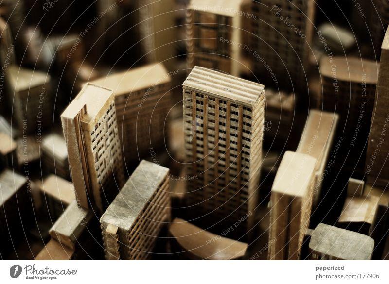Ich kenne meine Pappenheimer Papier Haus Straße Fenster Gebäude hell Stimmung braun Kunst Architektur gold Hochhaus Fassade modern Makroaufnahme