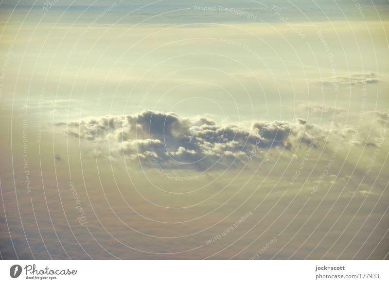 Wandern: Auf Wolke Sieben Sommer ruhig Wolken Ferne gelb Bewegung Luft hell groß ästhetisch Klima Vergänglichkeit Mitte leicht Wasserdampf Schönes Wetter