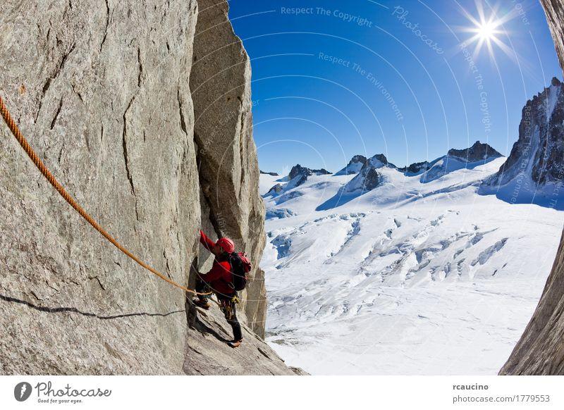Himmel Natur Ferien & Urlaub & Reisen Mann Landschaft rot Einsamkeit Winter Berge u. Gebirge Erwachsene Sport Schnee Junge Felsen Europa Abenteuer