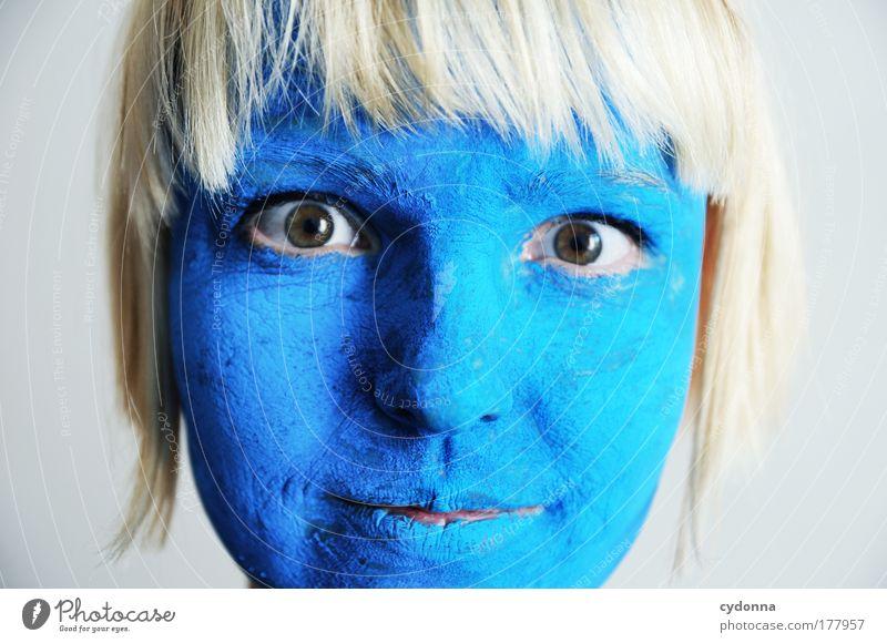 Neues Logo? Mensch Frau Jugendliche blau schön Freude Farbe Gesicht Erwachsene Leben Traurigkeit Stil Design ästhetisch Wandel & Veränderung 18-30 Jahre