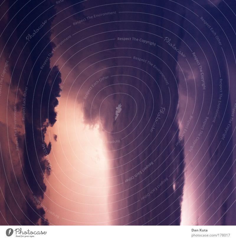 Vorhang des Zorns blau Wolken dunkel Wand Traurigkeit Kraft rosa Wetter Trauer bedrohlich Klima violett Stil fantastisch Wut Sturm