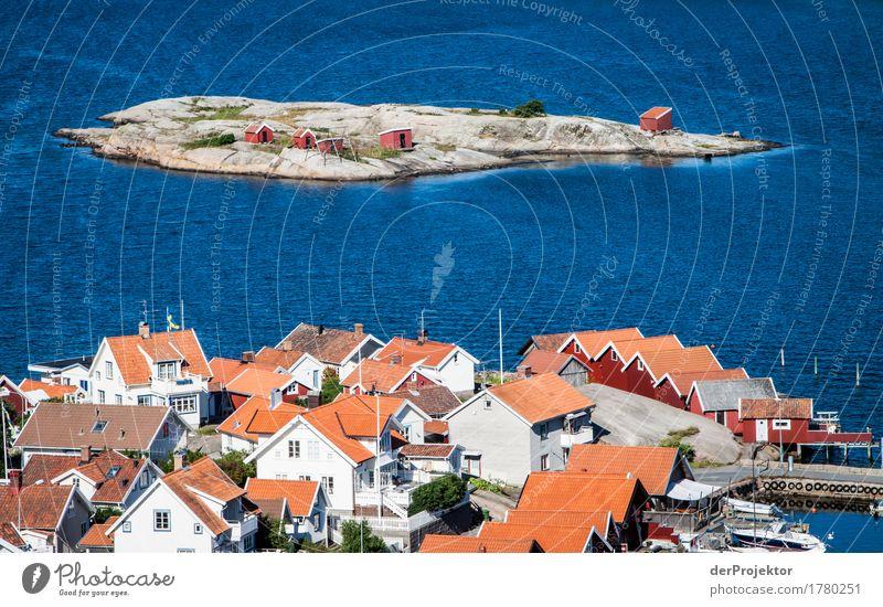 Eine Insel mit fünf Hütten Natur Ferien & Urlaub & Reisen blau Sommer Landschaft Haus Freude Ferne Umwelt Küste Freiheit Tourismus Felsen Ausflug Wellen wandern