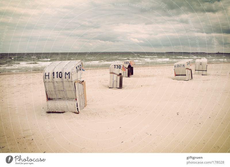 heiter bis wolkig Wasser Himmel Meer Strand Ferien & Urlaub & Reisen ruhig Wolken Einsamkeit Erholung Sand Regen Landschaft Wellen Küste Wind Horizont