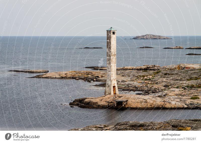 Historischer Leuchtturm auf den Schären Ferien & Urlaub & Reisen Sommer Meer Ferne Umwelt Felsen Tourismus Wellen Ausflug wandern Insel Abenteuer Ostsee Bucht