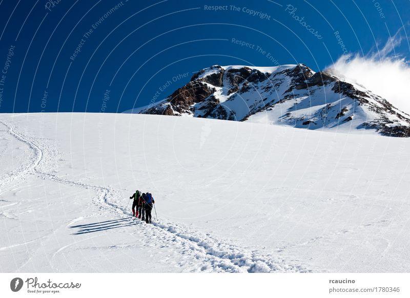 Bergsteiger, die auf Monte Rosa Glacier, Italien gehen Ferien & Urlaub & Reisen Abenteuer Expedition Winter Schnee Berge u. Gebirge Sport Mensch Menschengruppe