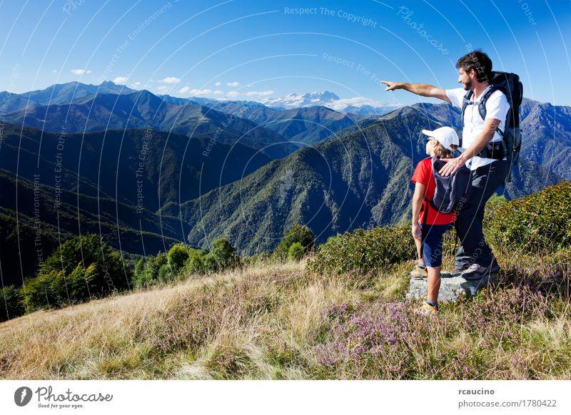 Mensch Kind Himmel Natur Ferien & Urlaub & Reisen Mann Sommer weiß Landschaft rot Erholung Berge u. Gebirge Erwachsene Lifestyle Sport Junge