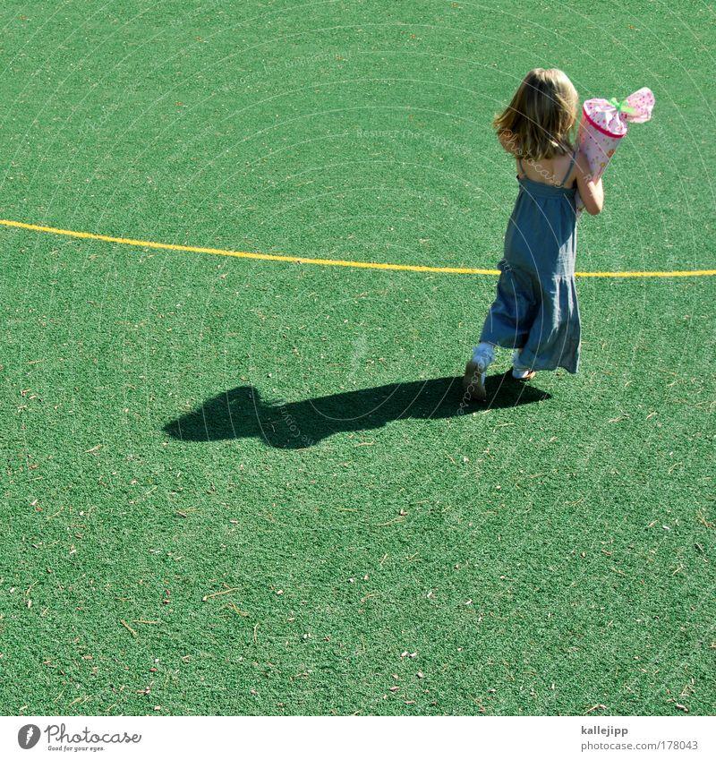 viel glück! Mensch Mädchen Leben Wege & Pfade Schule Kindheit laufen Zukunft Kleid Bildung Geschenk Kindererziehung klug Weisheit fleißig Lebenslauf