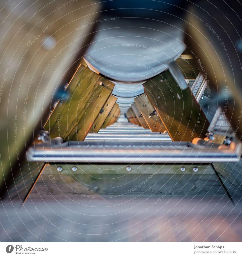 Turmtreppchen II Treppe ästhetisch hoch blau braun Höhenangst Holz Metall Treppengeländer Geländer Durchblick Blick nach unten Architektur Konstruktion