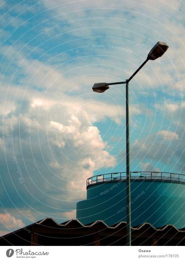 T Himmel blau Wolken Architektur Gebäude Lampe Industrie Dach Industriefotografie Bauwerk Laterne Stahl Geländer Straßenbeleuchtung bedeckt