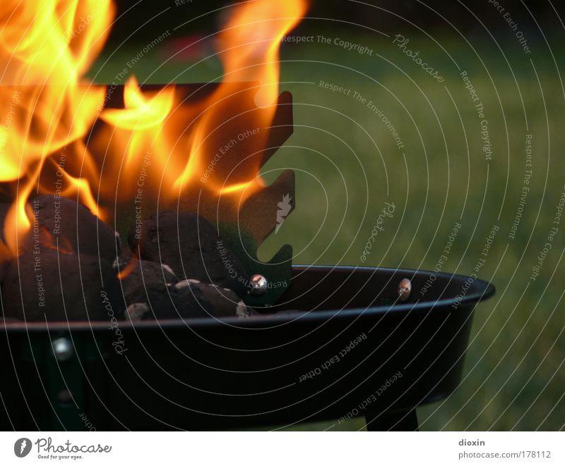 hot grün rot schwarz Ernährung gelb Wärme Metall Feuer heiß Grillen Camping brennen Flamme Picknick Kochen & Garen & Backen
