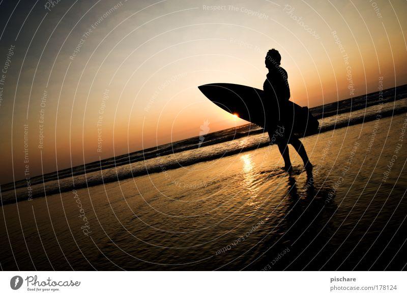 SunsetStar Himmel Wasser schön Sommer Meer Strand Horizont ästhetisch Romantik sportlich Surfen Abenddämmerung Surfer Portugal Klischee Vignettierung