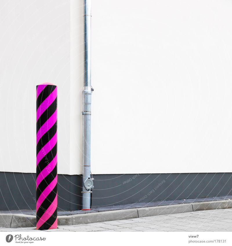 pink. Farbfoto mehrfarbig Außenaufnahme Detailaufnahme Experiment Menschenleer Textfreiraum rechts Tag Starke Tiefenschärfe Zentralperspektive Haus Mauer Wand