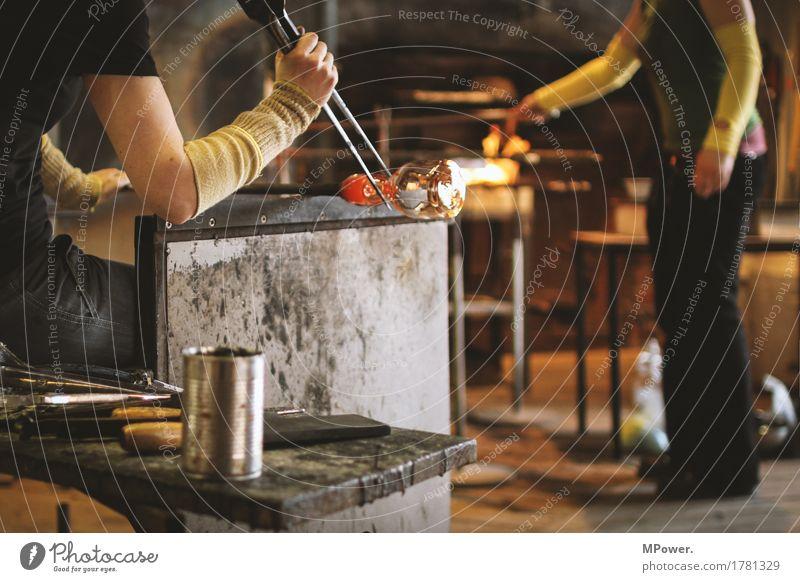 glaser Becher Blase blasen Strukturen & Formen Glas Glasbläser Glaser glühen Glut Güte glühend Handarbeit Handwerk Handwerker heiß produzieren Wärme Ofenheizung