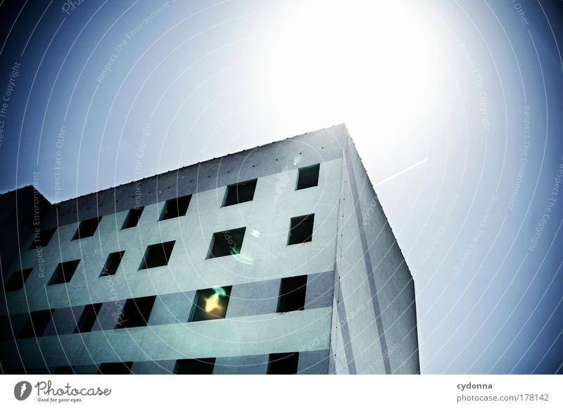 Auszugswelle Himmel Haus Einsamkeit Leben Gefühle Tod Fenster träumen Traurigkeit Architektur Deutschland Zeit Fassade Perspektive Wandel & Veränderung Bildung
