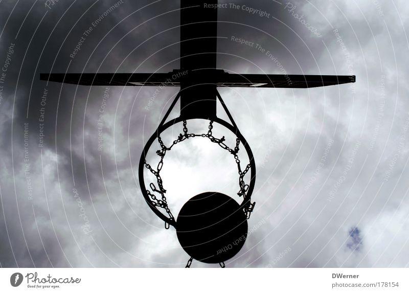Korbball III Himmel Freude Wolken Leben Sport Spielen Bewegung springen Freizeit & Hobby fliegen Ball sportlich Gewitter Treffer schlechtes Wetter Ballsport