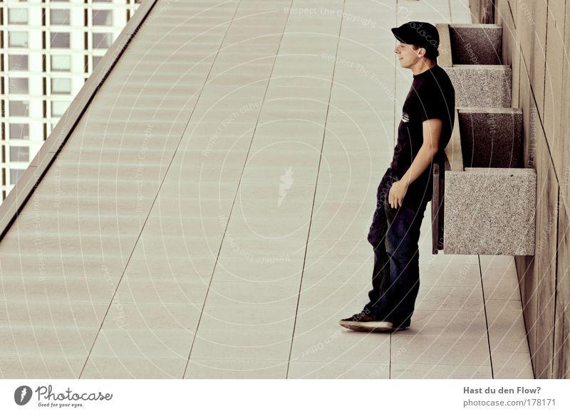 QuerRadikal Mensch Jugendliche Sommer ruhig Ferne Leben Erholung Stil Arbeit & Erwerbstätigkeit Freiheit Glück träumen Zufriedenheit Architektur Erwachsene maskulin