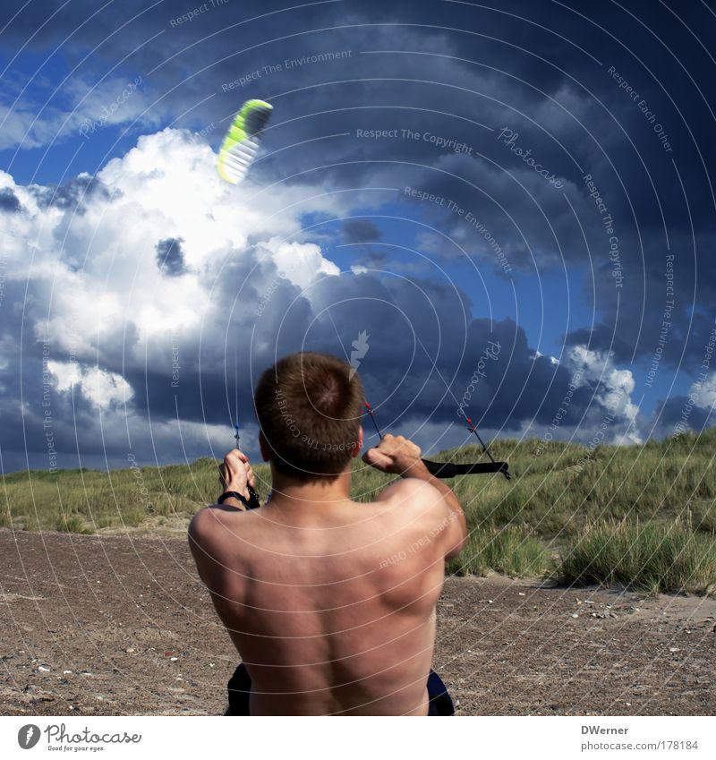 ... in den Seilen hängen Mensch Himmel Natur Jugendliche Meer Strand Wolken Erwachsene Ferne Leben Sport Körper Arbeit & Erwerbstätigkeit Kraft fliegen