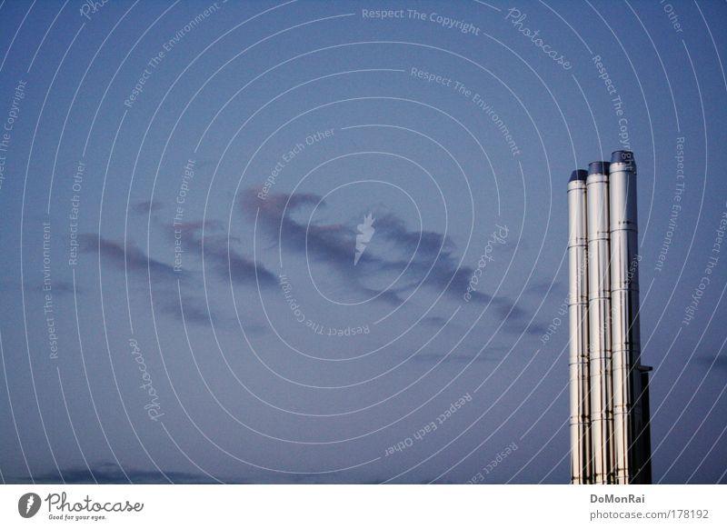 Rauchsäulen Himmel blau Wolken Luft Metall glänzend Energiewirtschaft Energie modern Europa stehen Industrie Technik & Technologie Rauch silber Schornstein