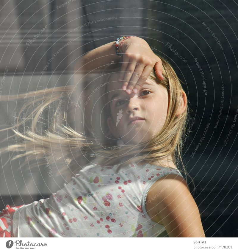 durchblick Mensch Kind Jugendliche schön Gesicht Haare & Frisuren Gebäude Kindheit ästhetisch Coolness Bekleidung T-Shirt 3-8 Jahre